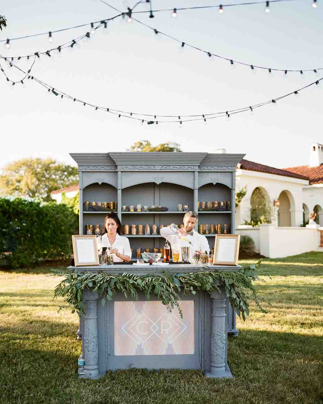 20 Creative Wedding Bar ideas to Inspire
