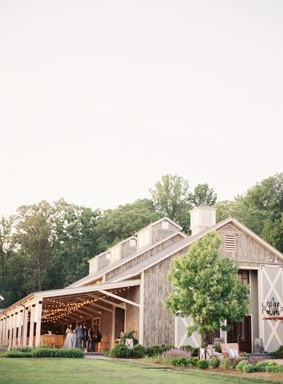 16 Stunning Outdoor Wedding Venues of 2018