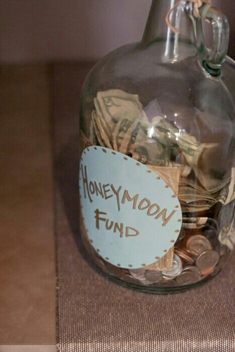 Honeymoon fund will be the gift table