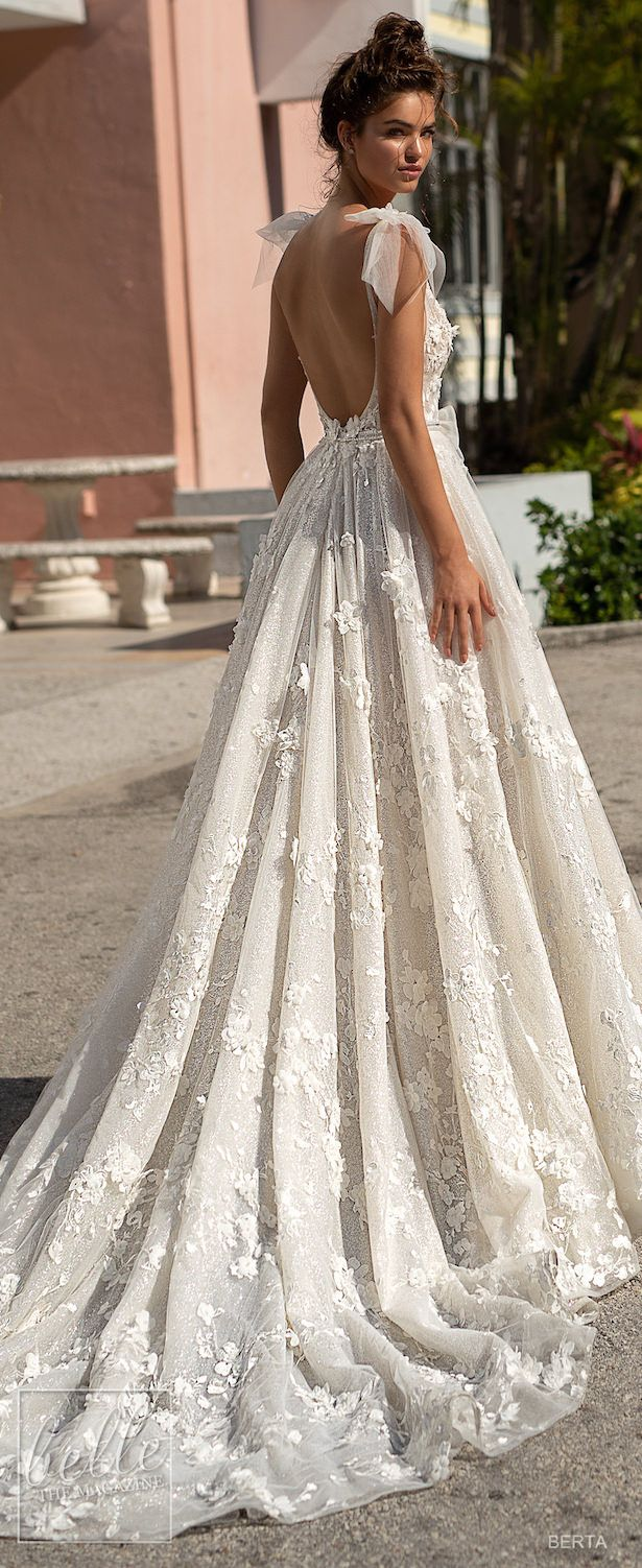 pretty wedding dresses with bows