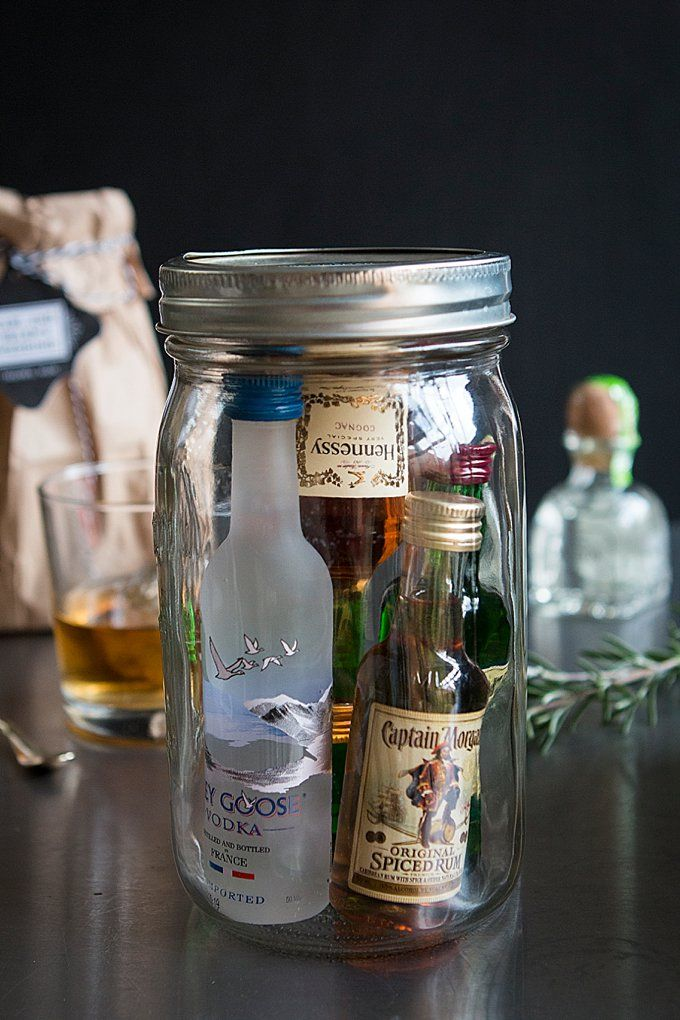 33 Brilliant Wedding Gift Ideas For Groomsmen Mrs To Be
