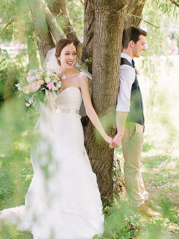 36 Romantic First Look Wedding Pictures That Really Inspire Mrs To Be