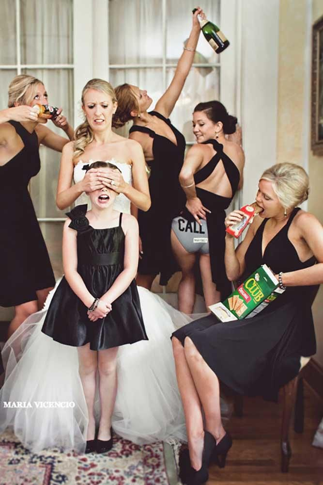 Must Have Wedding Photos with Bridesmaids