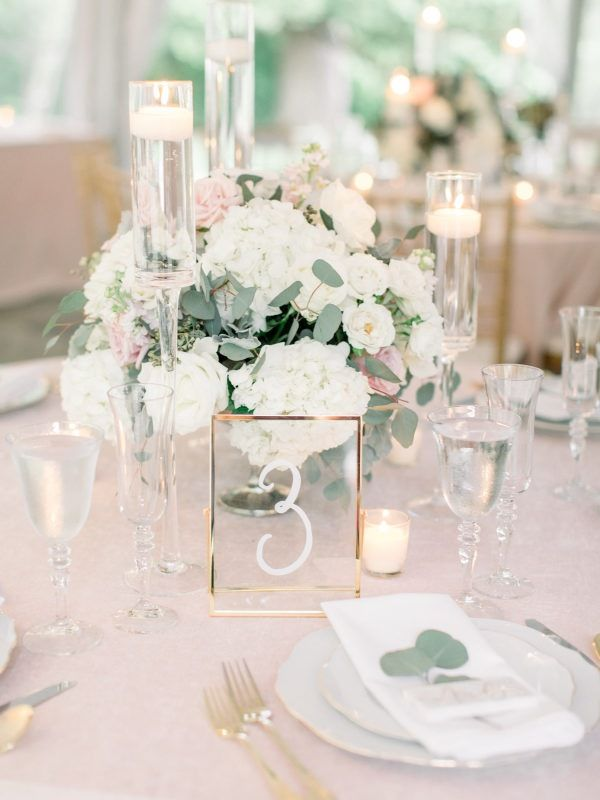 Romantic Wedding Centerpieces That are Sure to Inspire