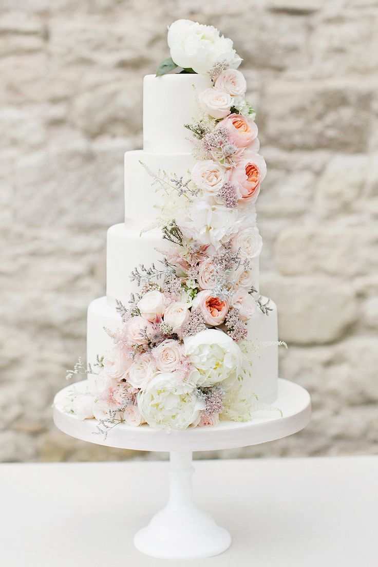 Chic and Elegant Wedding Cake Ideas We are Obsessed with