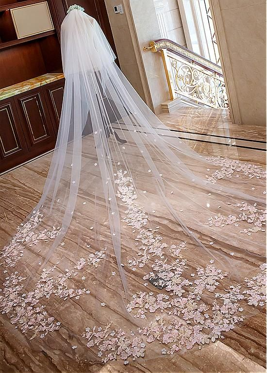 Timeless Wedding Veils to Inspire