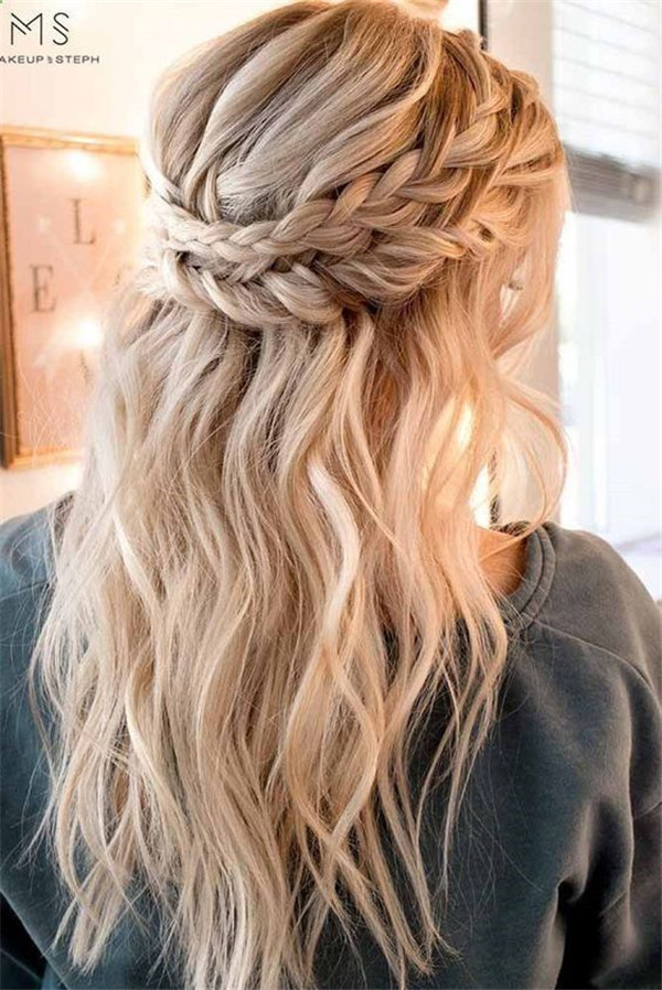 Hairstyles for Rustic Weddings