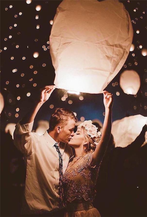 Breathtaking Night Wedding Photo Ideas
