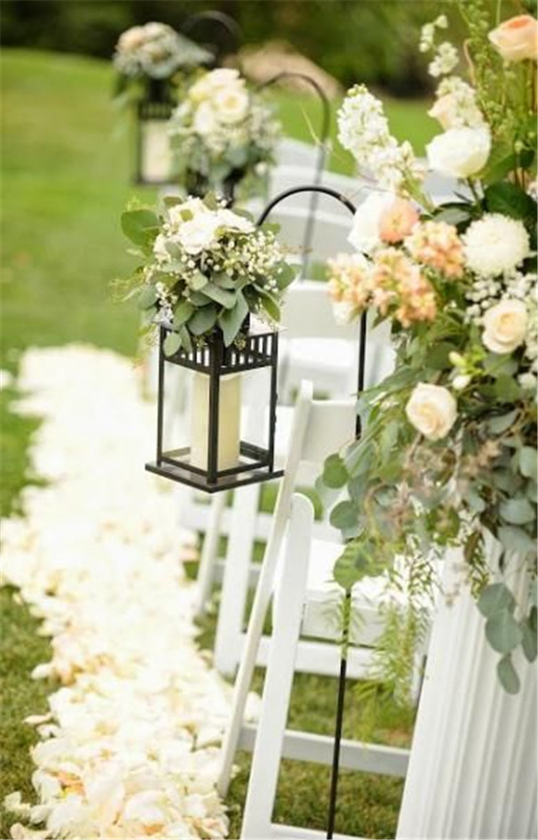 Stunning Lantern Wedding Decorations on a Budget