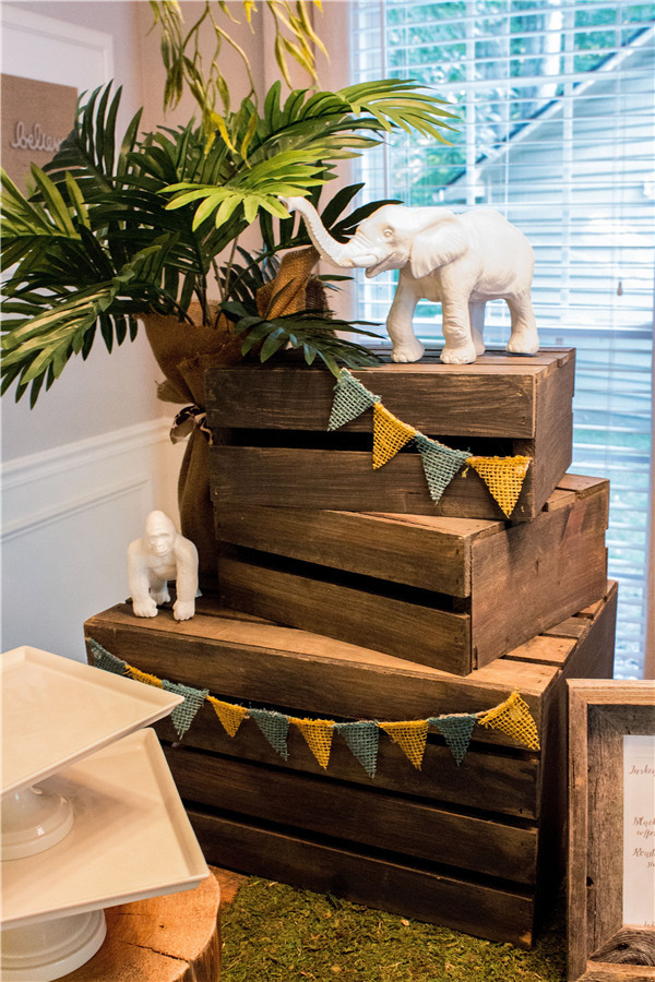 animal baby shower themes